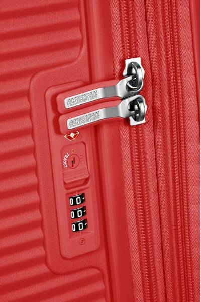 American Tourister Soundbox spinner Coral Red