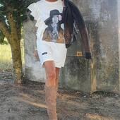 🍂Desde 1983, pasión por el calzado, moda y complementos🍂 @adri4me con vestido @behappiness botas @nemonic_shoes y #cazadoradecuero #totallookmedinapiel