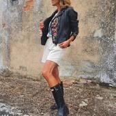 💕Desde 1983 sin perder de vista las últimas tendencias💕 www.medinapiel.es   #cazadoracuero #leatherjackets #patchedleatherjackets #cazadoraperfecto #medinapielmesientabien #leoprincessjacket
