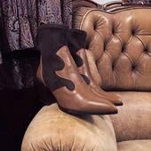 🤔¿Te haces alguna de estas preguntas al comprar calzado?🤔 1- ¿En qué material está fabricado? 2- ¿Es este el mejor material para este producto? 3-¿Cuántas temporadas sobrevivirá? #PedroMiralles #botas #botines #piel www.medinapiel.es